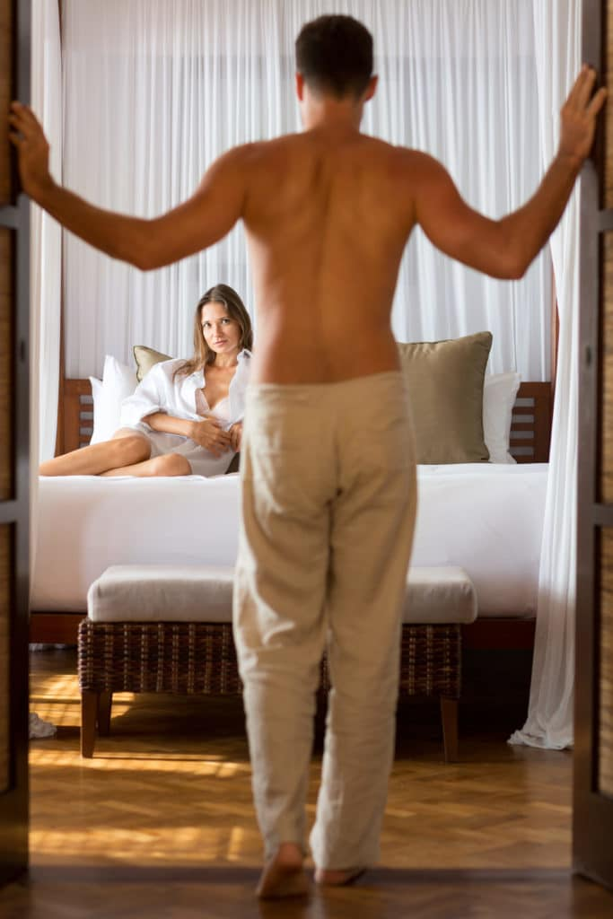 Tek Male best male enhancement pills used by a handsome man getting seduced in bedroom